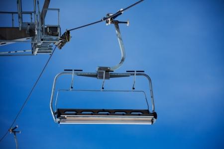 Ski lift asiento sobre el esquí en las montañas de Grandvalira Andorra Foto de archivo - 20979402