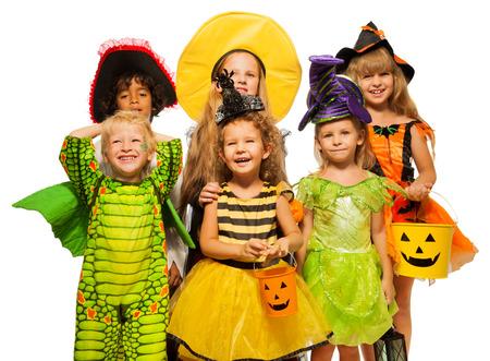 Veel kinderen in Halloween kostuums, jongens en meisjes Stockfoto - 31912934