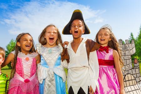 Close-up van kinderen in festival kostuums Stockfoto