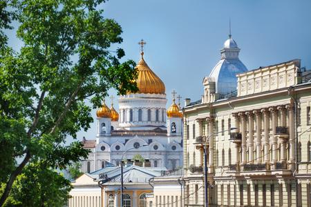 palacio ruso: Catedral de Cristo Salvador y el Kremlin Palace Foto de archivo