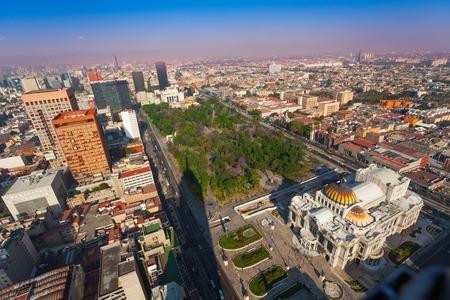 メキシコ中央アラメダ公園、芸術の宮殿 写真素材 - 39965405