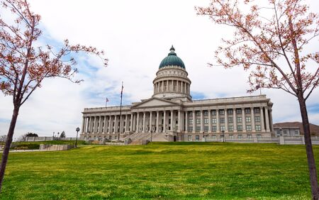 salt lake city: Utah Capitol building during day time in Salt Lake City, USA