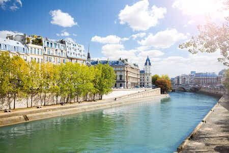 memorial cross: The Seine river quay in front of Notre Dame de Paris at the sunny autumn day