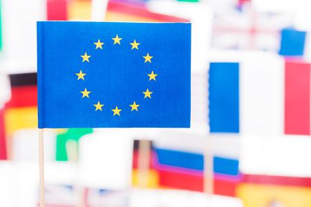 Vlag van de Europese Unie tegen vlaggen van EU-leden Stockfoto