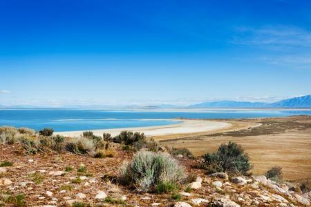 Hermoso Gran Lago Salado de Antelope Island Foto de archivo - 73371714