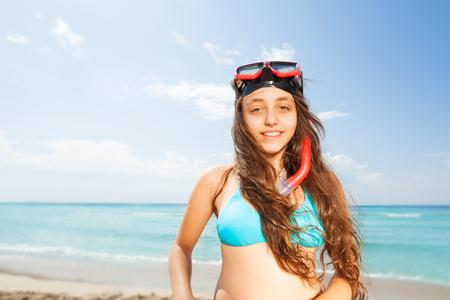 ビーチの肖像上美しい女の子 写真素材