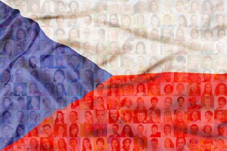 Viele verschiedene Gesichter auf tschechische Republik Flagge Standard-Bild - 99585974