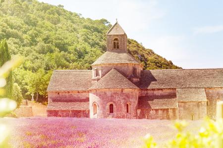 Notre Dame de Senanque, Provence Stock Photo - 105814070