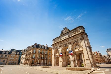 Porte Desilles on Place du Luxembourg in Nancy Stockfoto