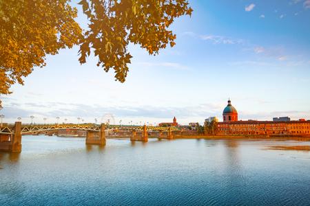Panorama de la digue de la Garonne à Toulouse