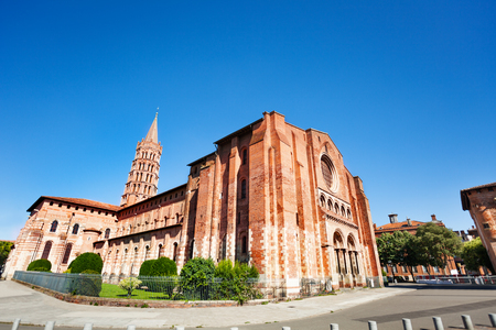 Saint-Sernin basilica western entrance, Toulouse 版權商用圖片
