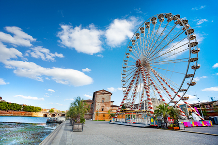 Panoramic wheel on the embankment of Garonne river