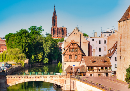Strasbourg cityscape with Ponts Couverts and famous cathedral in the distance in France, Europe 免版税图像