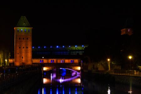 Night view of Grande Ile island in Strasbourg, EU Imagens - 116123451