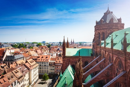 Kuppel und Platz der Kathedrale Notre-Dame de Strasbourg Standard-Bild