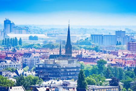 Saint-Maurice-Kirche auf dem Platz Arnold in Straßburg