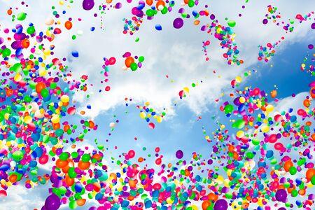 Blauwe lucht wolken grote groep van veel luchtballonnen