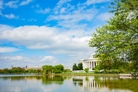 Tidal basin and Thomas Jefferson Memorial over spring trees, Washington D.C. USA Reklamní fotografie