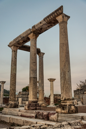 Part of temple in Ephesus, Turkey. Standard-Bild - 111999395