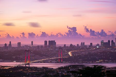 Bosphorus Bridge landscape in Istanbul at sunset. Cityscape with golden hours colors. Stockfoto