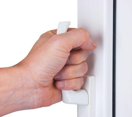 abriendo puerta: mano abre una ventana aislada en blanco