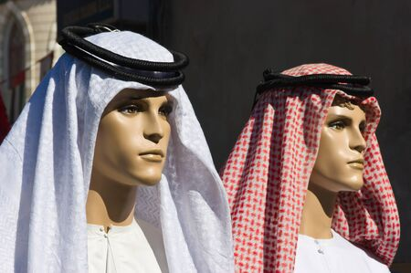 keffiyeh: traditional Arabic mens clothing on a mannequin Stock Photo