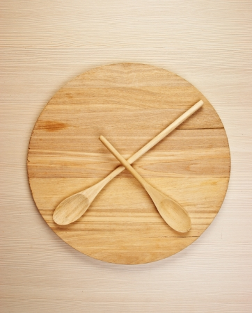 horologe: stylized clock - cutting board and wooden spoons