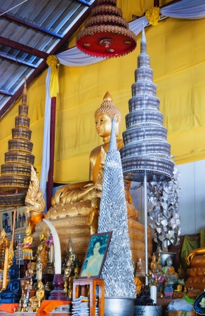 marmorate: Phuket, Thailandia - 14 febbraio: Big Buddha complesso del tempio, il 14 febbraio 2013. La costruzione ? fatta solo sulle donazioni.