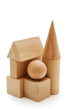 geometria: formas geom�tricas de madera aisladas sobre un fondo blanco Foto de archivo