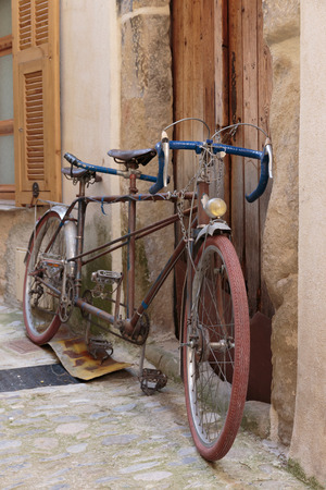 alpes maritimes: Old bicycle on the street in France