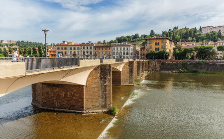 river arno: FLORENCE, ITALY - 23 JUNE, 2014: Bridge on the River Arno Editorial