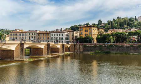 arno: FLORENCE, ITALY - 23 JUNE, 2014: Bridge on the River Arno Editorial