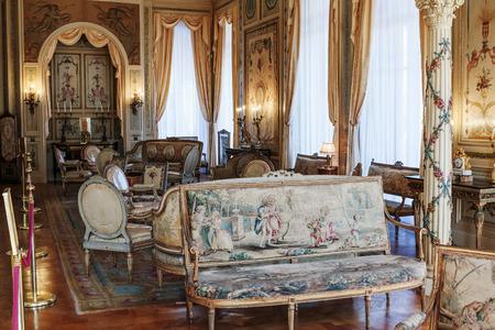 d'azur: SAINT JEAN CAP FERRAT, FRANCE - OCTOBER 29, 2014: Villa Ephrussi de Rothschild interior