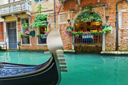 Street cafe in Venedig Italien Standard-Bild