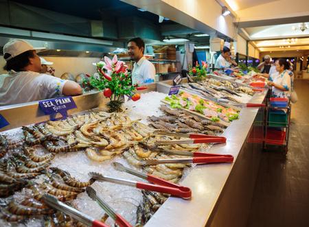 shopwindow: PATTAYA, THAILAND - APRIL 4, 2015: Seafood on shopwindow at the supermarket
