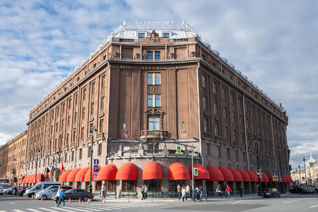 palacio ruso: ST.PETERSBURG, RUSSIA - 13 JUNE 2017: Famous hotel Astoria in St. Petersburg