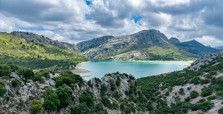 landscape with a lake in the mountains of Tramontana on the island of Mallorca 版權商用圖片