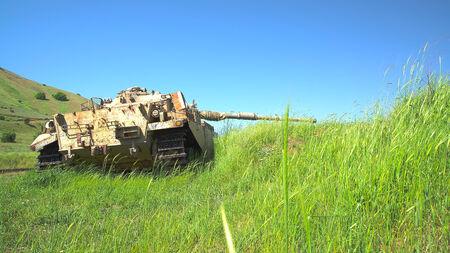 Vernietigd aan zesdaagse oorlog Israëlische schot kal zware tank HDR foto Stockfoto