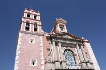Parroquia de Santa Mar�a de la Asunci�n, Tequisquiapan, Quer�taro, M�xico  Plaza Miguel Hidalgo