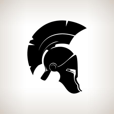 roma antigua: Antigüedades romanas o casco griego para los soldados protección de la cabeza con una cresta de plumas o pelo de caballo con aberturas para los ojos y la boca Foto de archivo