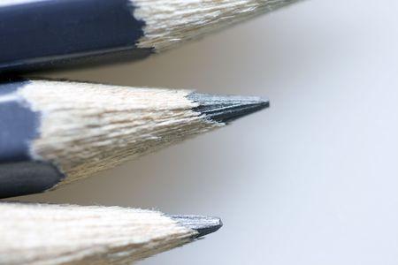 Gray Bleistifte Makro auf neutralem Hintergrund grau