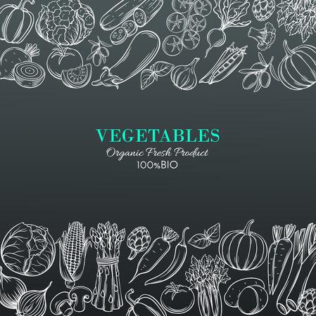Frontières de modèle affiche avec légumes dessinés à la main pour la conception de menu de marché des agriculteurs. Blanc sur noir. Illustration vintage de vecteur. Vecteurs