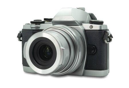 Fotocamera digitale mirrorless. Vecchio stile retrò isolato su sfondo bianco