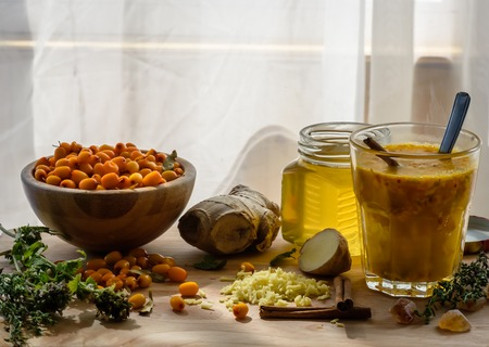 colds: medicinal cocktail of herbs, berries and honey. It helps in the treatment of colds