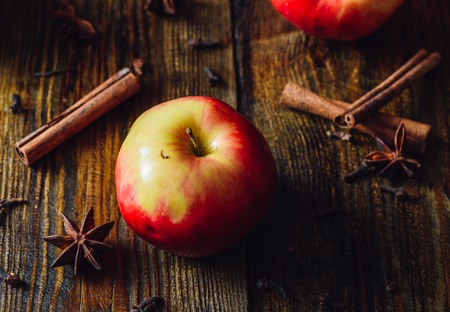 Apple with Clove, Cinnamon and Anise Star for Prepare Mulled Wine.