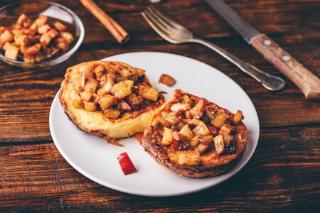 French toasts with caramelized apple with cinnamon