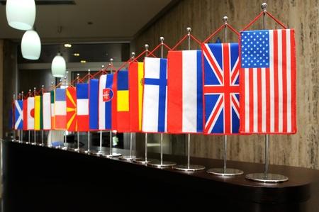 relaciones humanas: Banderas internacionales Foto de archivo