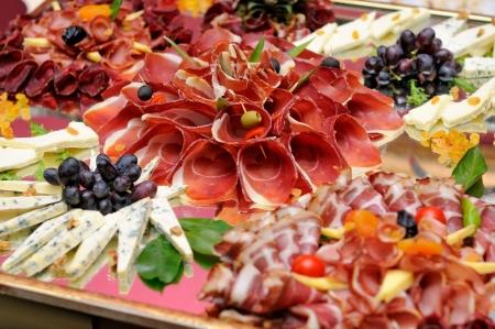 carnes: Carnes y selecci�n de quesos Foto de archivo