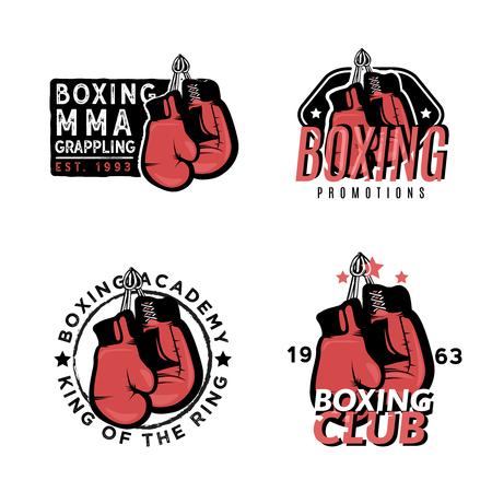 Modelli di logo vintage sul tema della boxe. Distintivi a tema di boxe, MMA e arti marziali. Archivio Fotografico - 82565099
