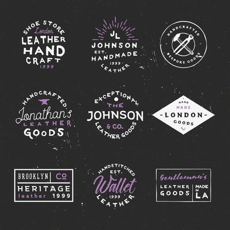 Lederwaren vintage labels. Handgemaakte lederen goederen-badges. Handgemaakte logo's. Goed voor brandingbedrijf, flyers, posters, advertenties en andere.